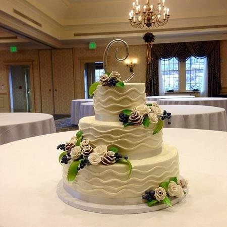 Atkins Farms Country Market: beautiful wedding cakes done by Atkins
