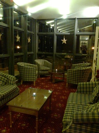 Le Strange Arms Hotel: Lounge area