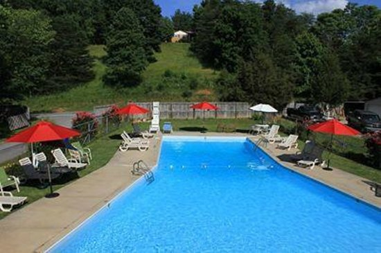 Deep Valley Campground : Pool