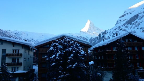 Hotel Eden Wellness: the view from the room to the Matterhorn