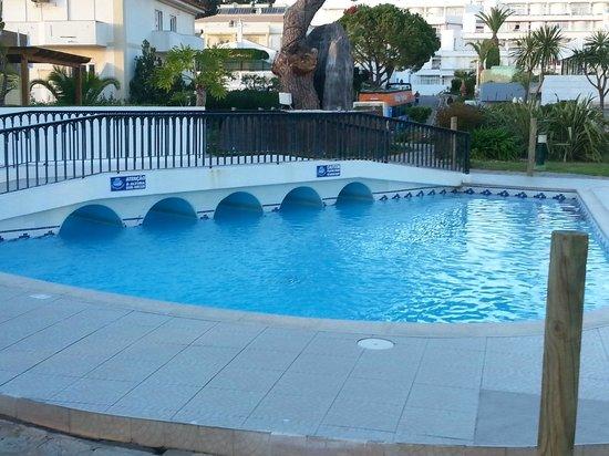 Muthu Clube Praia da Oura: A small kids pool
