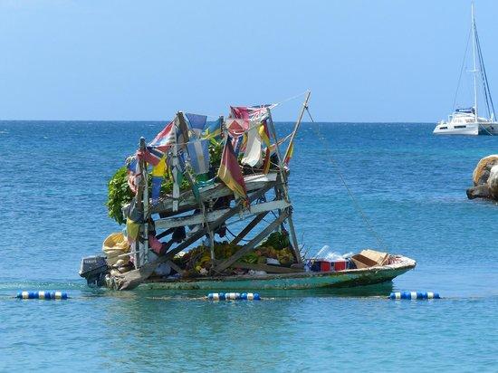 The Landings Resort & Spa St. Lucia : Fruit Boat!