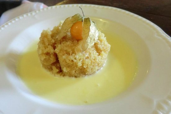 Fat Lamb Country Inn and Restaurant: Spong pudding