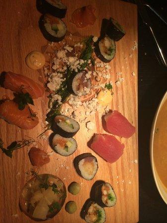 Fiskfelagid Fish Company: sushi platter