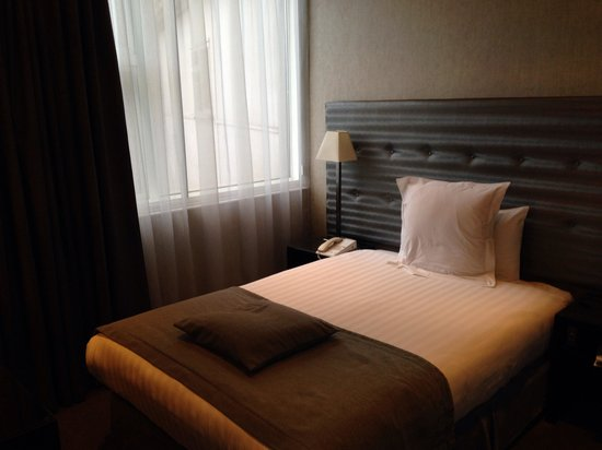 K West Hotel & Spa : Small double room
