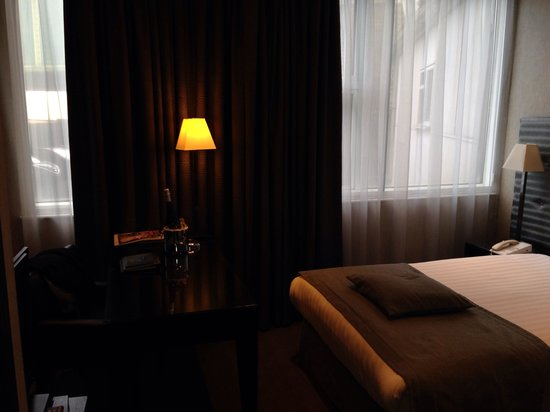 K West Hotel & Spa: Small double room