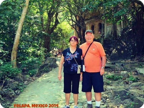Puerto Vallarta Tours: My parents in Yelapa