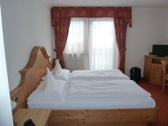 Hotel Alpenrose: Standard room