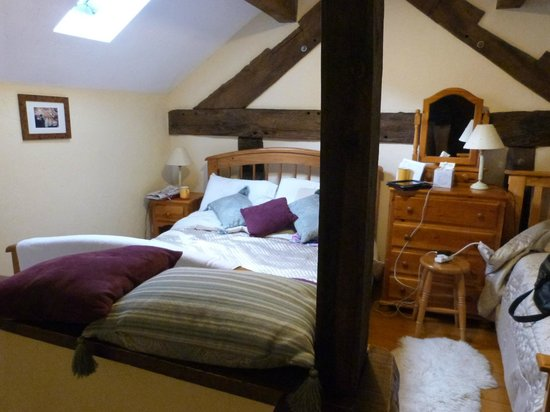 The Stableyard Guest Accommodation and S C Cottages : Bedroom (double and single)
