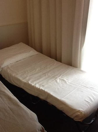 Hotel Horizon: terzo letto una branda curvilinea