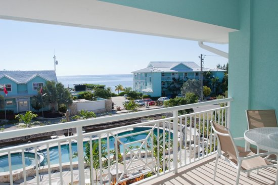 Compass Point Dive Resort: Poolside Condos View
