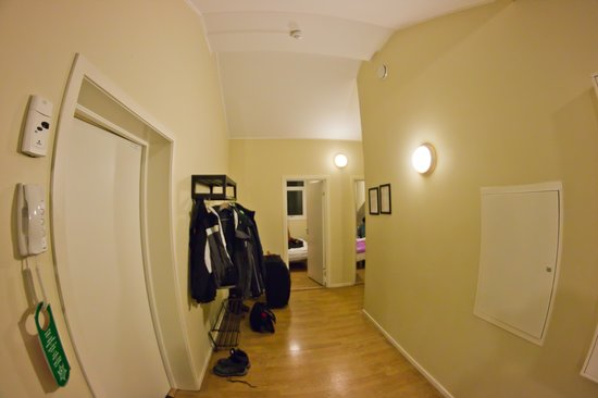 Gruner Apartment Hotel Oslo: Entry area and view of 2 rooms