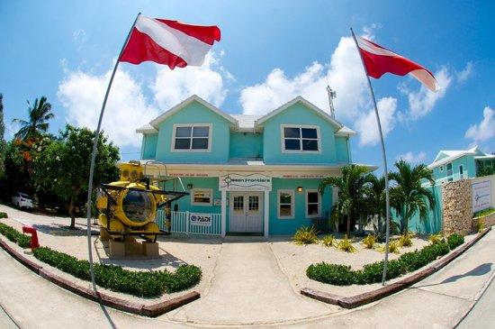 Compass Point Dive Resort: Front Desk & Dive Shop Building