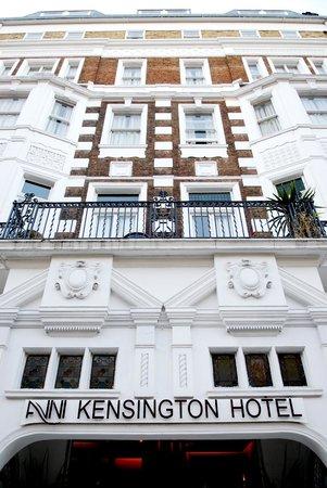Avni Kensington Hotel: Balcón habitación primer piso