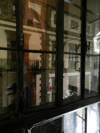 Hostal Vincent Van Gogh : Balconcino