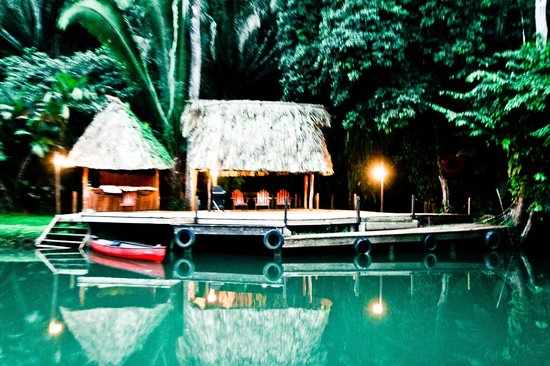 Belcampo Lodge: Dock to river