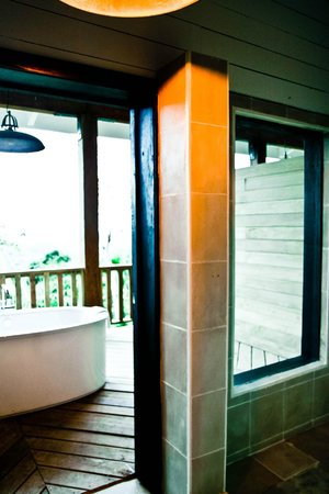 Belcampo Lodge: Bathroom