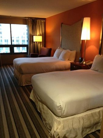 Hilton San Diego Gaslamp Quarter: Very nice and spacious