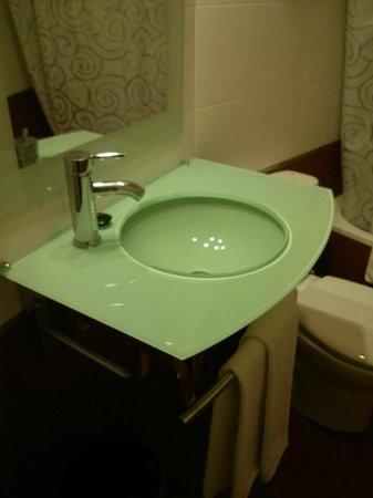 Hostal Santillan: lavabo