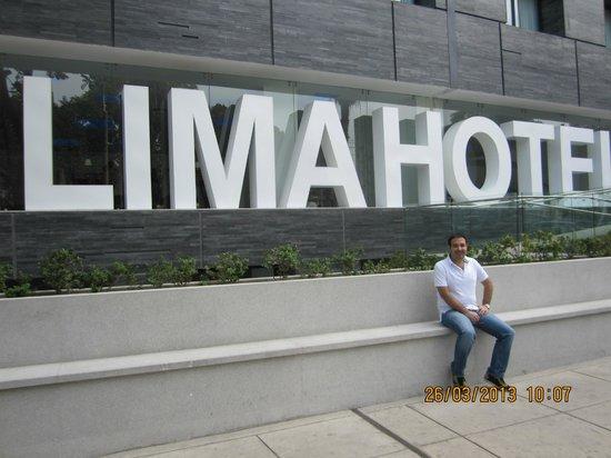 NM Lima Hotel: La entrada del hotel