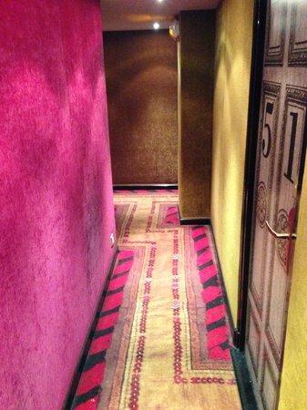 Hotel le Notre Dame : pasillo