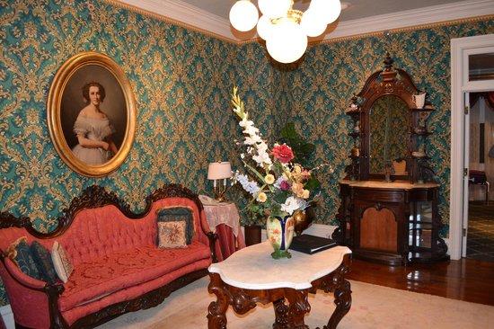 Le Pavillon Hotel: Sitting area