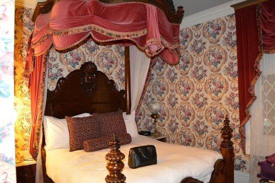 Le Pavillon Hotel: Room two