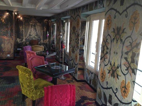 Hotel le Notre Dame: salón