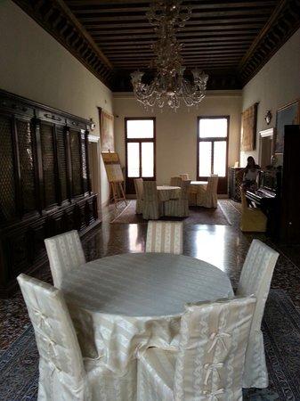 Corte Dei Greci Hotel: Hall en la segunda planta donde estaba la habitación