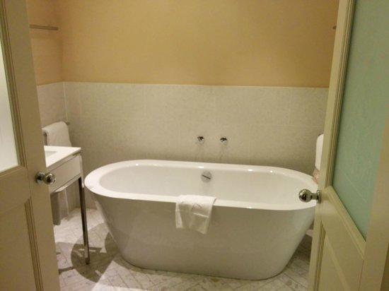 Hotel Sans Souci Wien: Vasca da bagno