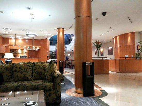 Hotel Howard Jonhson: entrada do Hotel