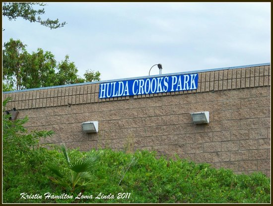 Hulda Crooks Park: Entrance to the park.