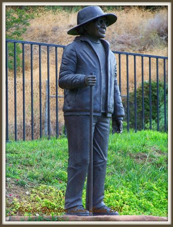 Loma Linda, CA: The statue of Hilda Crook at the park.