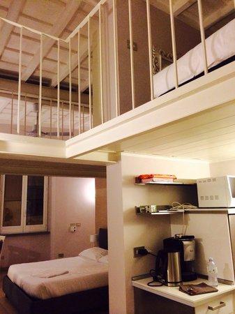 Cucina e camera da letto foto di casa wally roma for 3 piani casa casa camera da letto