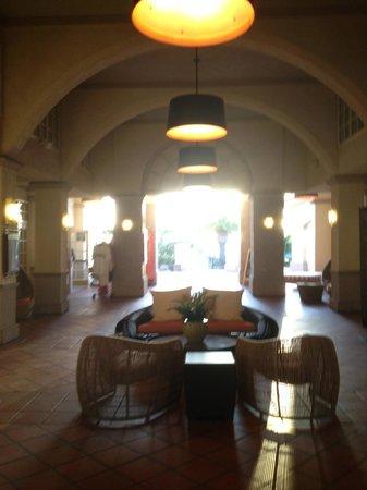 Hilton San Diego Resort & Spa : lobby/courtyard