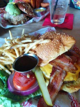 Burger & Beer Joint - Brickell: Beef burger