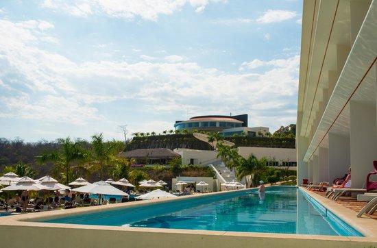 Secrets Huatulco Resort & Spa : Building V swim out
