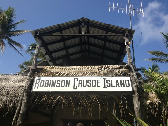 Robinson Crusoe Island Resort: The Welcome Sign!