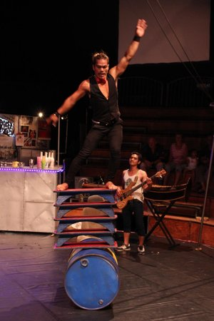Phare, The Cambodian Circus: Cambodian Circus...amazing artists!