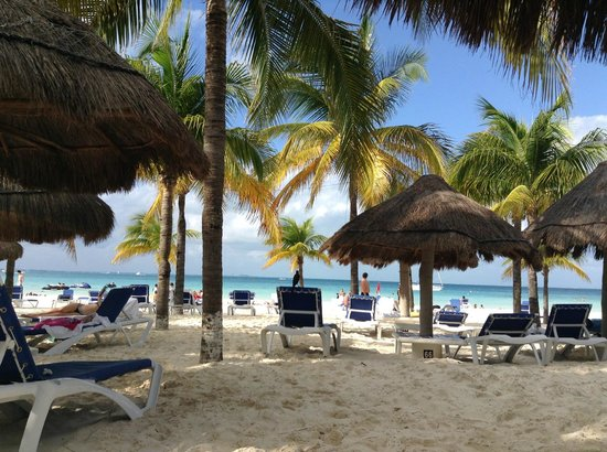 Presidente InterContinental Cancun Resort: At the beach
