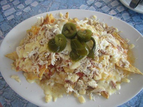 Frida's Restaurant Bar: chicken nachos
