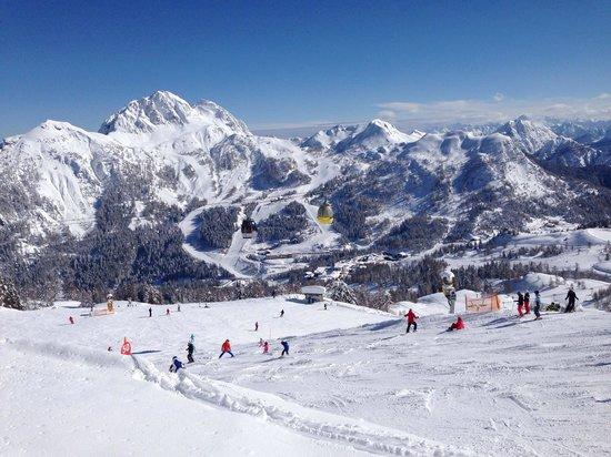 Nassfeld Ski Resort: Sunny day in Nassfeld
