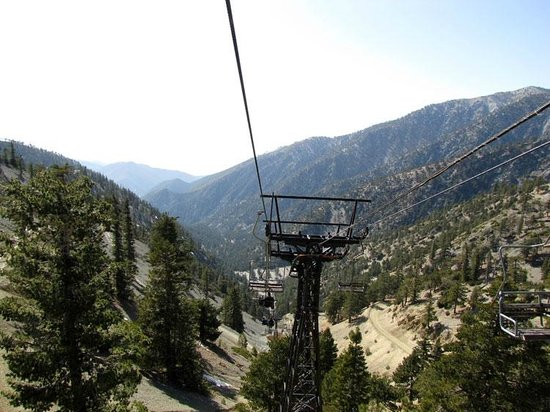 Mount Baldy Lodge : Mt. Baldy ski lift