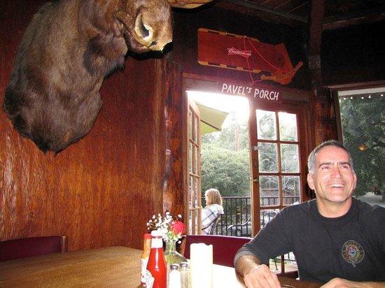 Mount Baldy Lodge : Inside the restaurant
