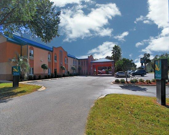 Quality Inn Pensacola: Hotel Exterior