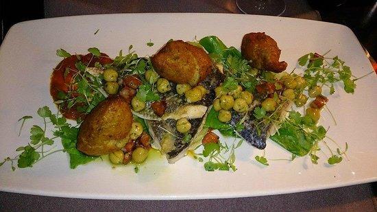 Auchrannie House Hotel: Brambles Seabass with crab potato cakes and chorizo salsa