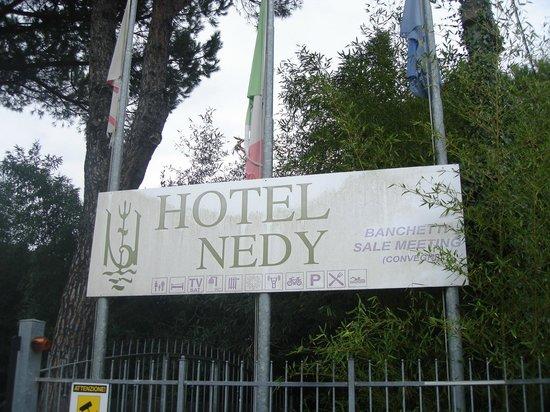 Hotel Nedy: insegna