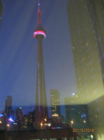 Radisson Admiral Toronto Harbourfront : CN Tour