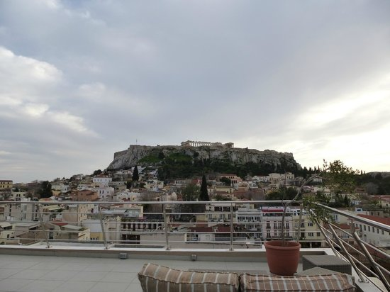 Plaka Hotel: The Acropolis from the roof terrace.