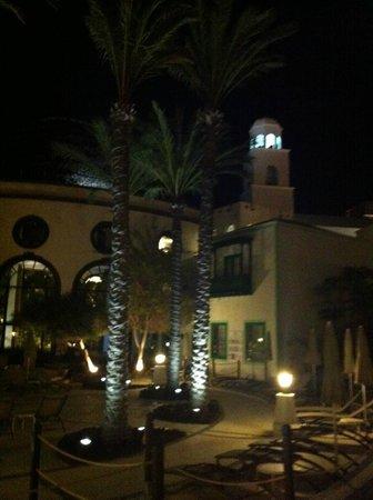 Hotel THe Volcán Lanzarote: frente del hotel